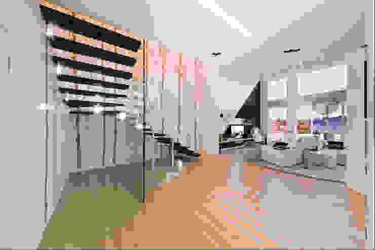 Moderne gangen, hallen & trappenhuizen van Annalisa Carli Modern Massief hout Bont