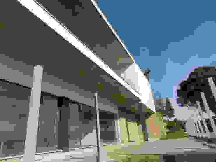 House VL Casas modernas por Cláudia Pinto Silva . arquitecta Moderno