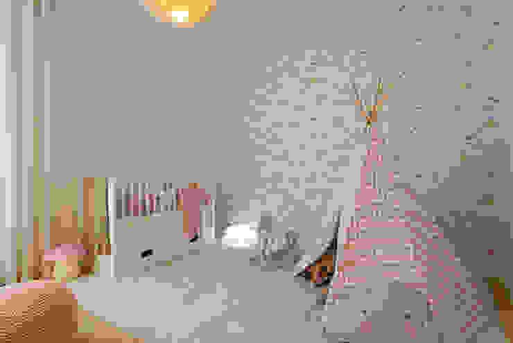 Suite de Bebé por Traço Magenta - Design de Interiores Moderno