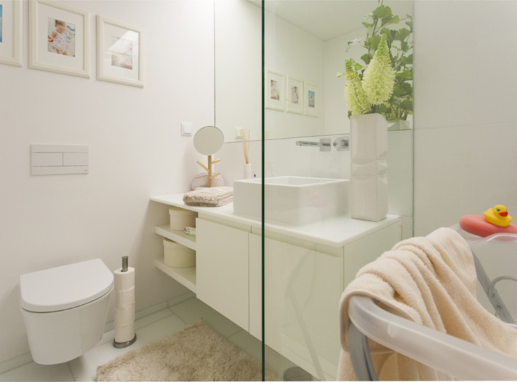 Casa de Banho da Suite do Bebé por Traço Magenta - Design de Interiores Moderno