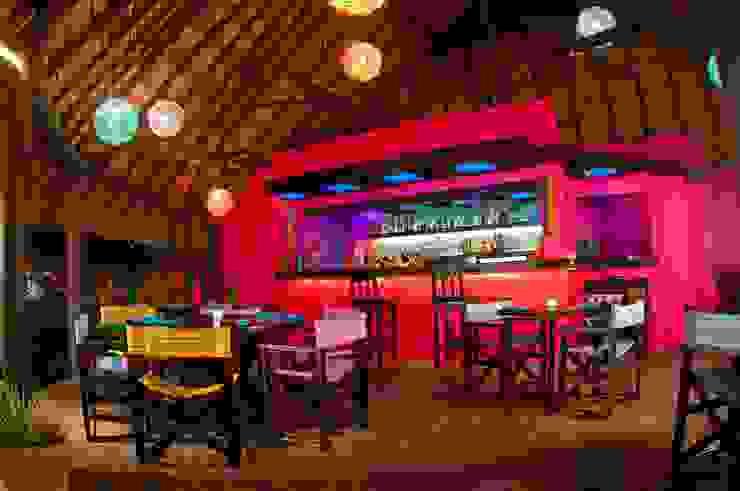 proyecto y obra restaurant Comedores eclécticos de FRACTAL CORP Arquitectura Ecléctico Madera Acabado en madera