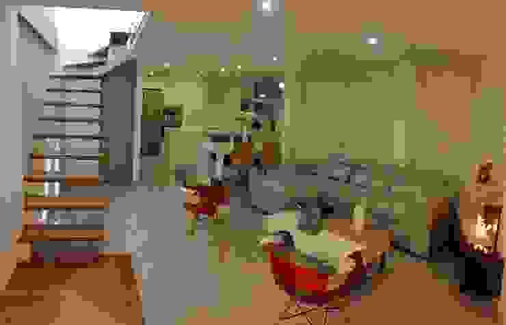 Diseño Arquitectónico y Remodelación Apartamento Loaiza - Rangel Salas modernas de INblatt _Arquitectura Moderno Madera Acabado en madera
