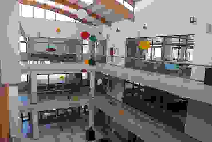 Móvil aéreo hall principal de Brito Arte y Diseño Moderno