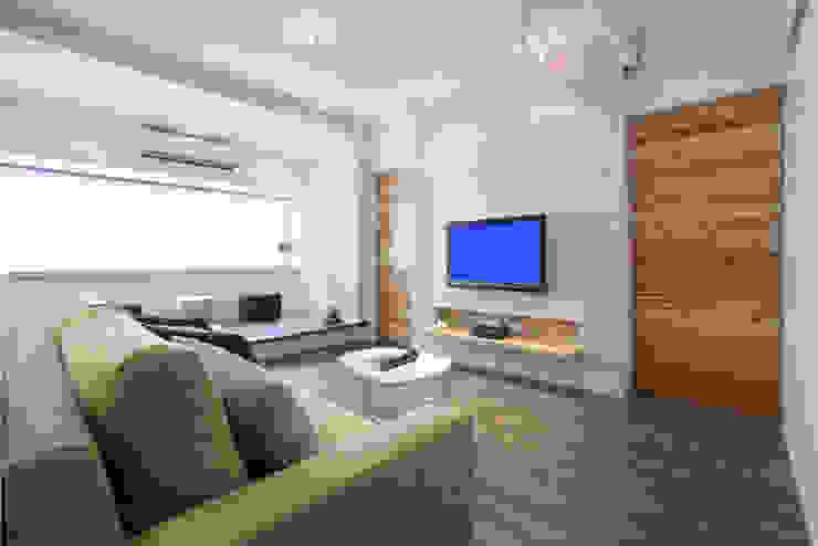 北投 陽明山廈 林宅 现代客厅設計點子、靈感 & 圖片 根據 直譯空間設計有限公司 現代風