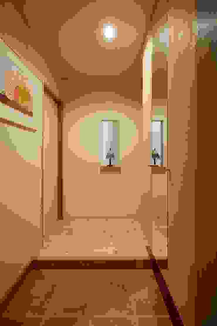 stage Y's 一級建築士事務所 Scandinavian style corridor, hallway& stairs Wood Pink