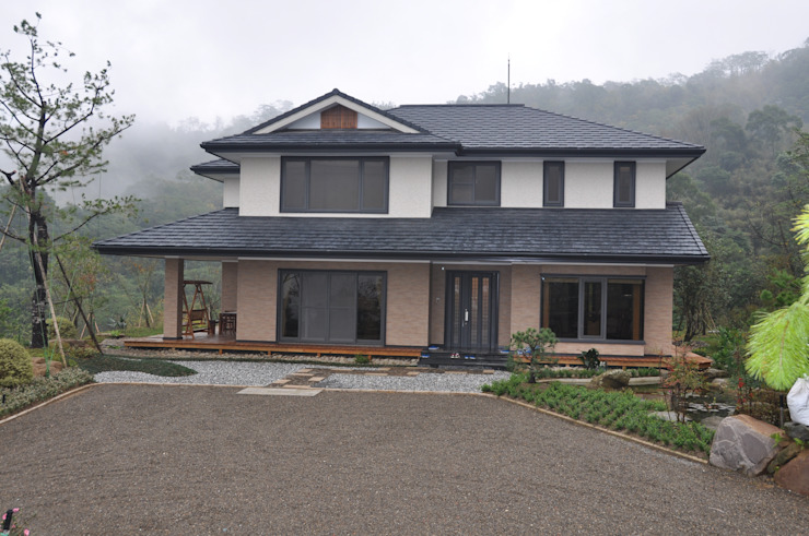 Rumah oleh 翔霖營造有限公司, Modern