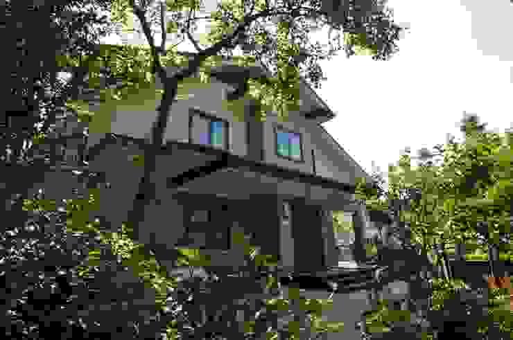 Classic style houses by 翔霖營造有限公司 Classic