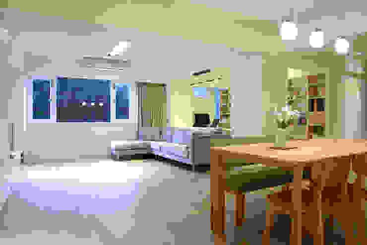 台北 忠孝東路 蔡宅 现代客厅設計點子、靈感 & 圖片 根據 直譯空間設計有限公司 現代風