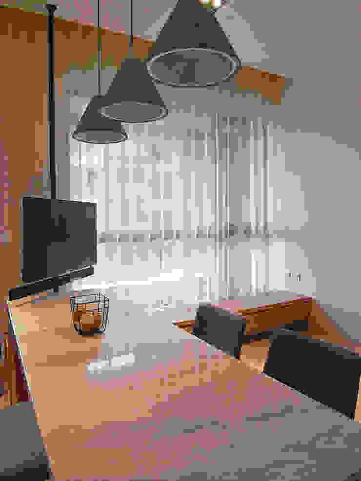新莊 NY璞緻 方宅 根據 直譯空間設計有限公司 簡約風