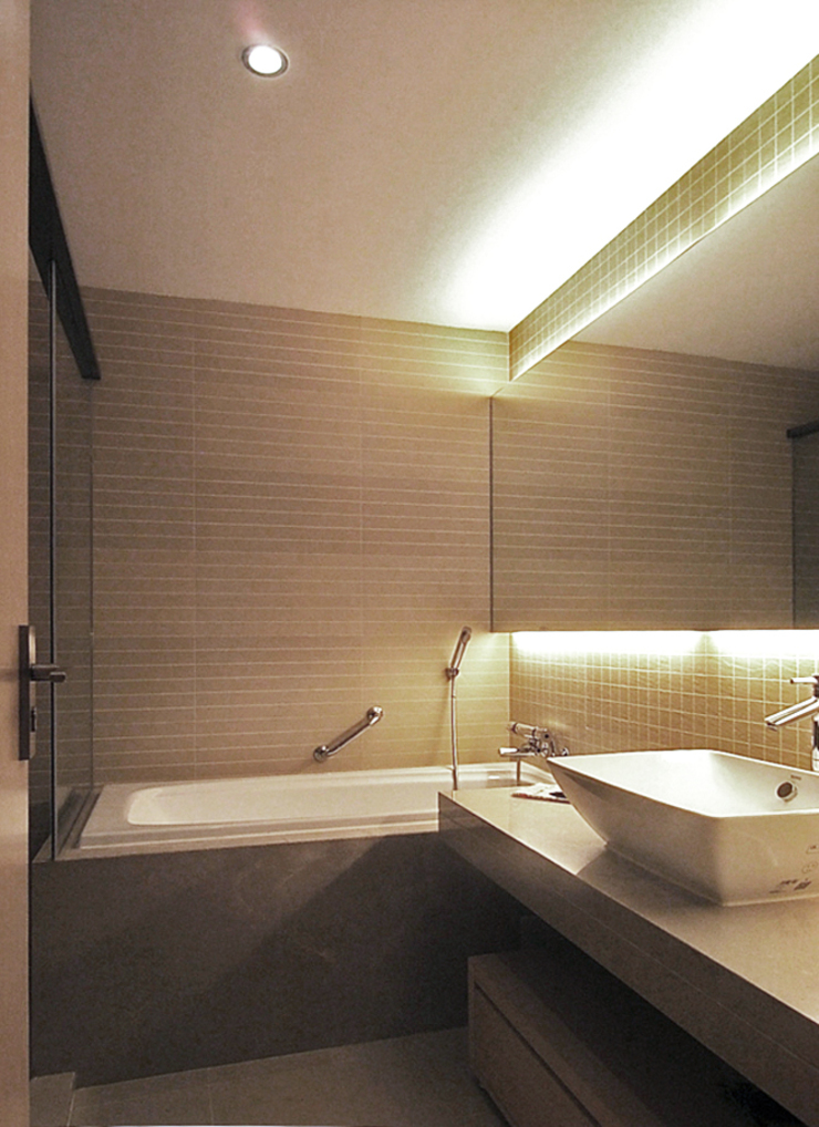 天津 格林園 杜宅 現代浴室設計點子、靈感&圖片 根據 直譯空間設計有限公司 現代風