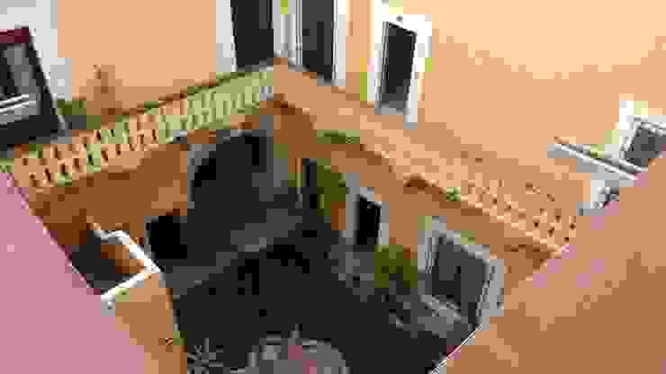 PROPIEDAD CASA DE LA VIRGEN Balcones y terrazas clásicos de RUAH ARQUITECTOS Clásico