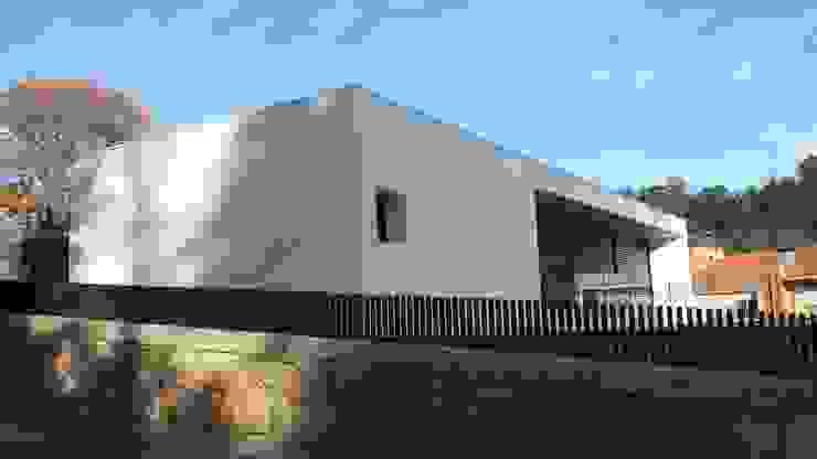 Casa do Prado - Celorico de Basto por PERCENTAGEM PLURAL Minimalista