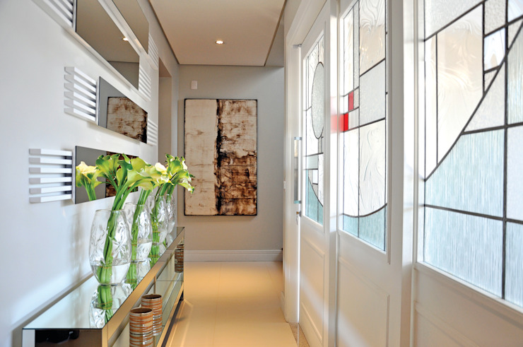 VOLF arquitetura & design Modern corridor, hallway & stairs