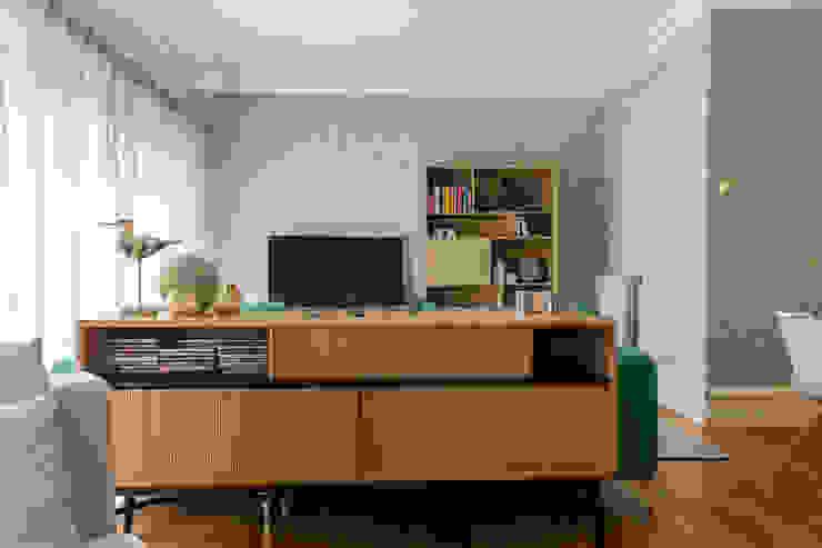 غرفة المعيشة تنفيذ GF Designers de Interiores, صناعي