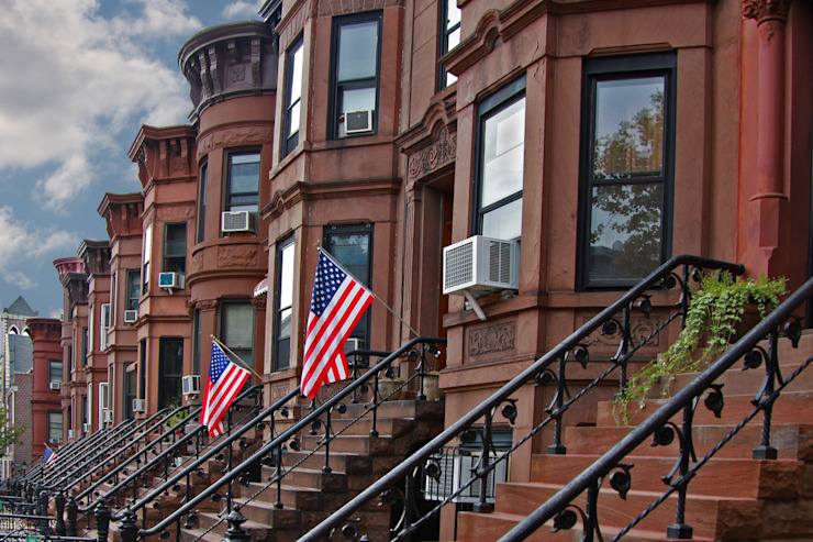 Brownstone Brooklyn/view of brownstone row houses in Sunset Park neighborhood of Brooklyn, New York. by homify