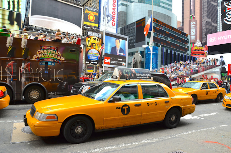 MANHATTAN, NY- SEPTEMBER 21: Manhattan Times Square and transportation in New York, USA on September 21, 2013. One of the 5 boroughs of New York City, the smallest but also the most populated. by homify