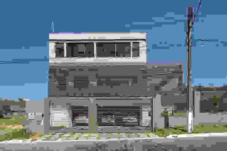 Casas modernas: Ideas, imágenes y decoración de Joana França Moderno