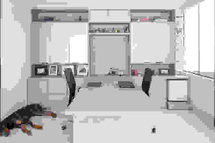 Estudios y oficinas modernos de Joana França Moderno