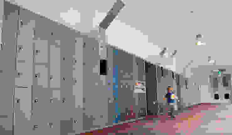 Interieur garderobe/bagagezone Bonnefanten Museum Maastricht Moderne musea van gorissendeponti ontwerpers + makers Modern