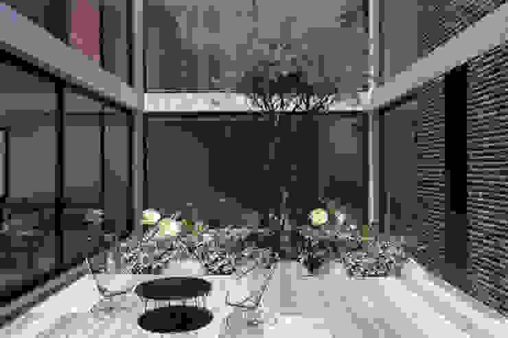 Casa Mariana Jardines modernos de Studio de Arquitectura y Ciudad Moderno