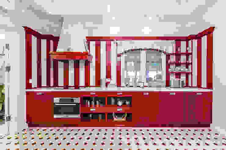 Kitchen by Дизайн бюро Оксаны Моссур, Classic