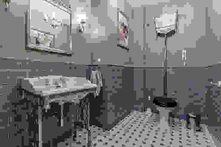 Classic style bathrooms by Дизайн бюро Оксаны Моссур Classic