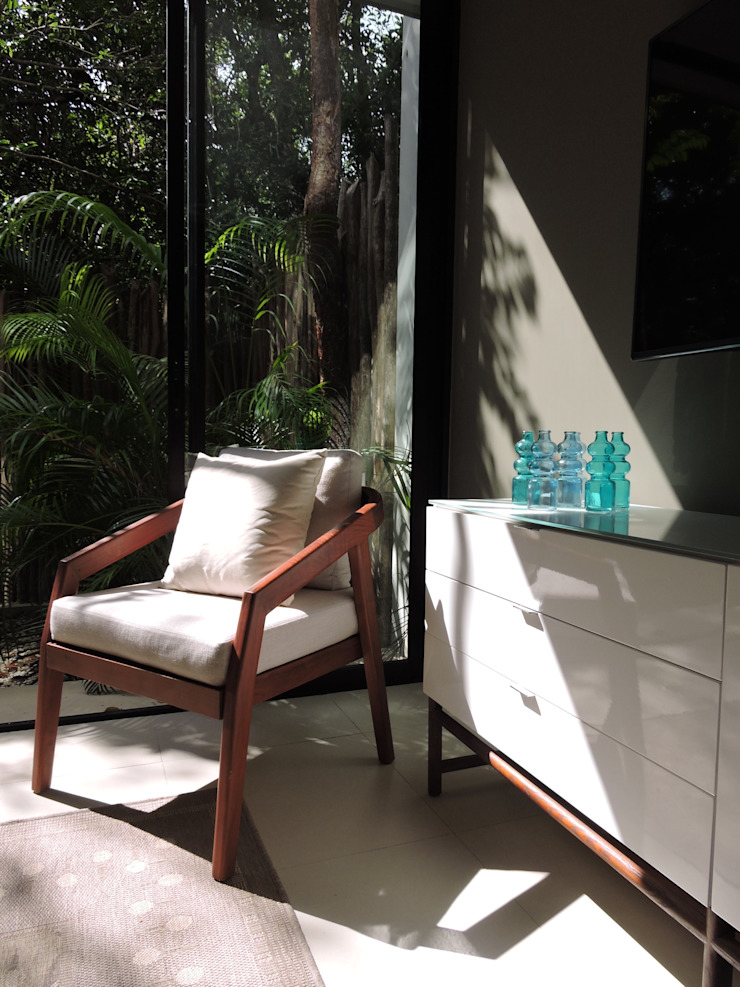VILLAS YAXXIK, ALDEA ZAMÁ Salones tropicales de Vau Studio Tropical