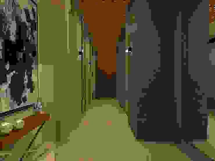 CASA – TEMOZÓN Pasillos, vestíbulos y escaleras modernos de Vau Studio Moderno