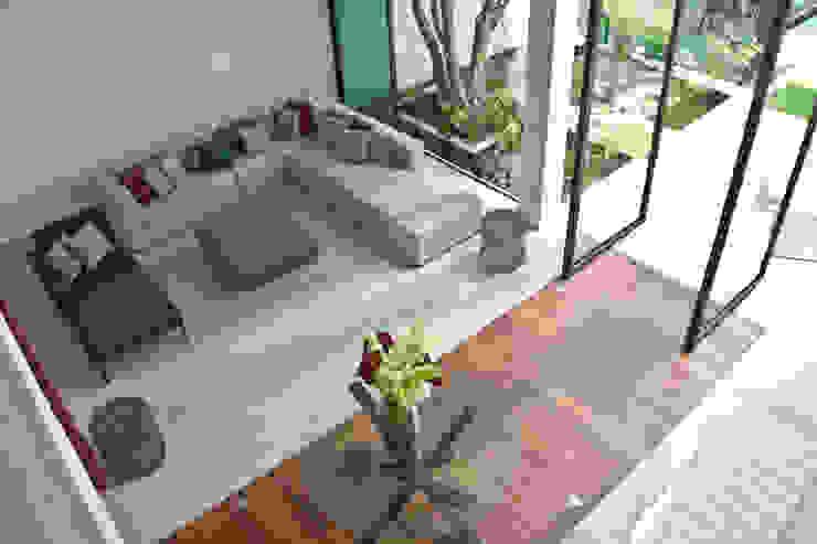 CASA DEL ARBOL Salones modernos de Vau Studio Moderno