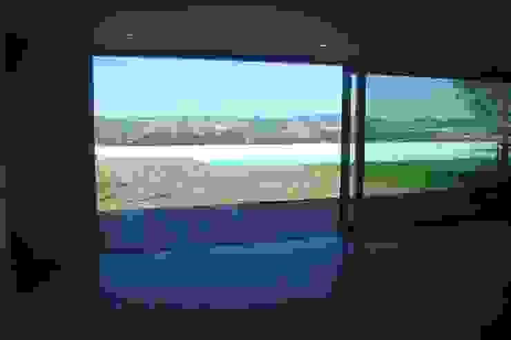Casa na Lixa _ Felgueiras Piscinas modernas por Amadeu Queirós I Arcolinha arquitectura Moderno