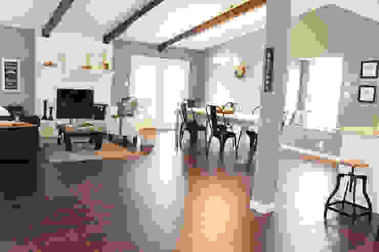 Home Staging San Antonio Tx Leon Valley: Salon Salones rústicos rústicos de Noelia Ünik Designs Rústico