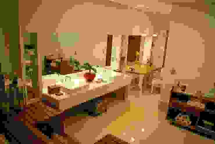 Banheiro ideal para a suite do casal Barros e Zanolini Arquitetura e construção Banheiros clássicos Mármore Bege