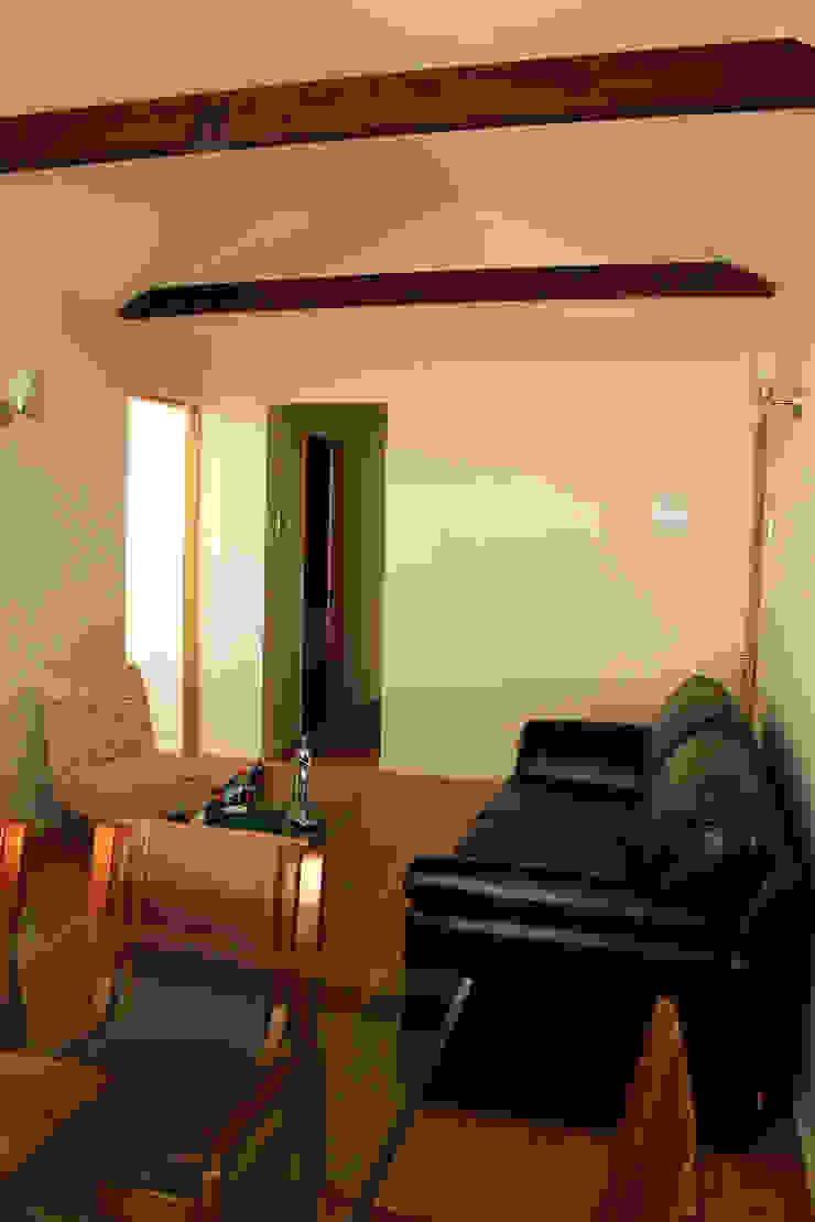 Remodelacion y ampliación Casa G. Livings de estilo mediterráneo de Toledo estudio Arquitectos Mediterráneo