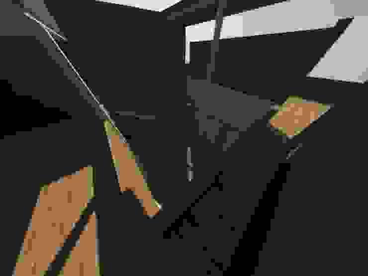 Casa Jara-Andrade, Iquique… Tramas, vacío y luz. Pasillos, vestíbulos y escaleras modernos de Toledo estudio Arquitectos Moderno