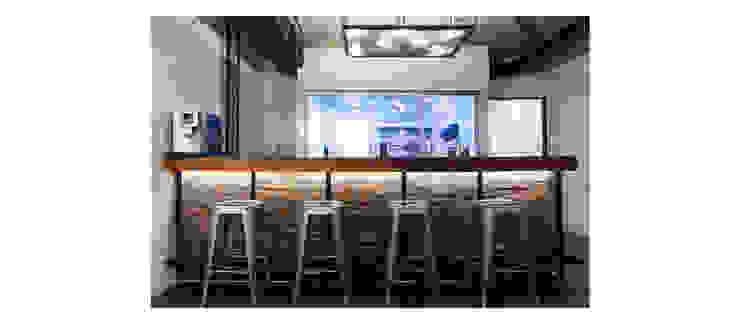 Barra y cocina de ESPACIO 6280 Moderno Ladrillos