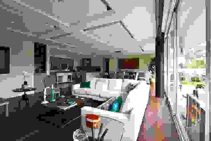 Residencial Vista Sol Salones eclécticos de Mobiliario y Equipo MEE Ecléctico