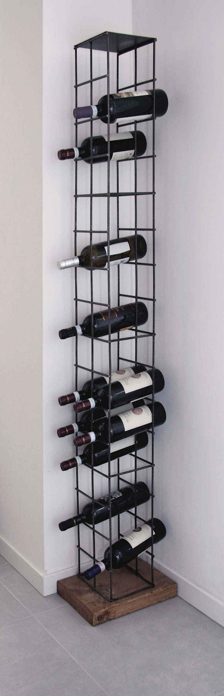 CHIARA MARCHIONNI ARCHITECT Wine cellar Iron/Steel Black
