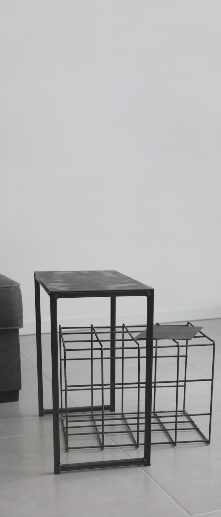 CHIARA MARCHIONNI ARCHITECT Living roomSide tables & trays Iron/Steel Black