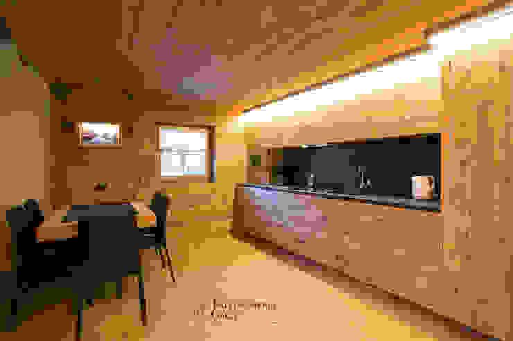 'MOUNTAINS LOVE' Falegnameria Galli Cucina in stile rustico