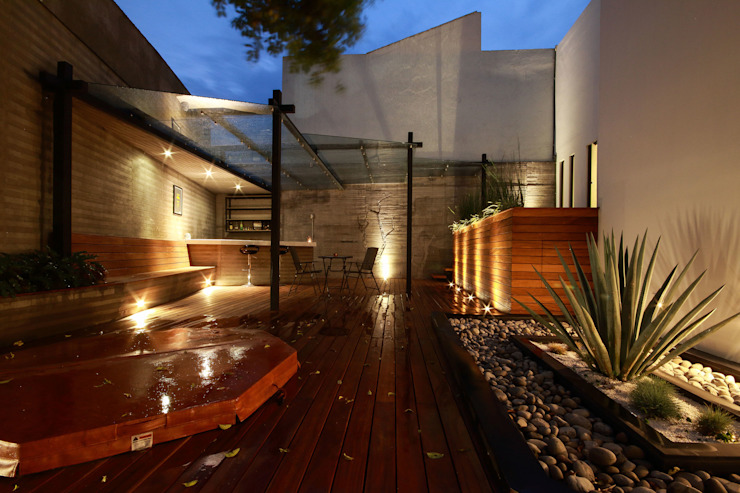 Balcon, Veranda & Terrasse minimalistes par All Arquitectura Minimaliste Bois Effet bois