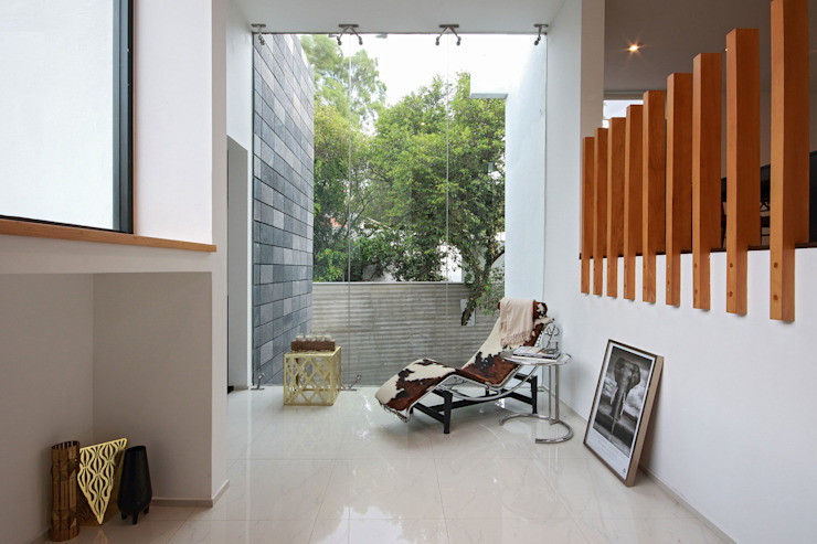 Minimalist corridor, hallway & stairs by All Arquitectura Minimalist Glass