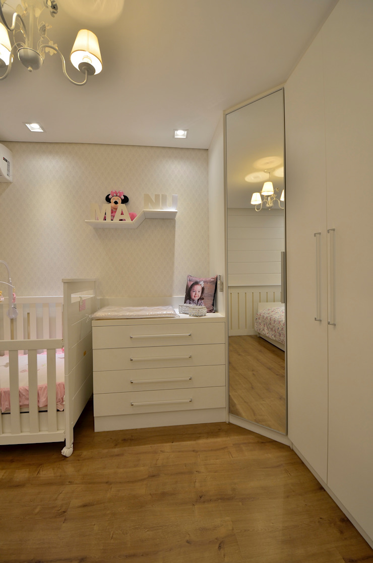 Graça Brenner Arquitetura e Interiores Chambre d'enfant classique MDF Blanc