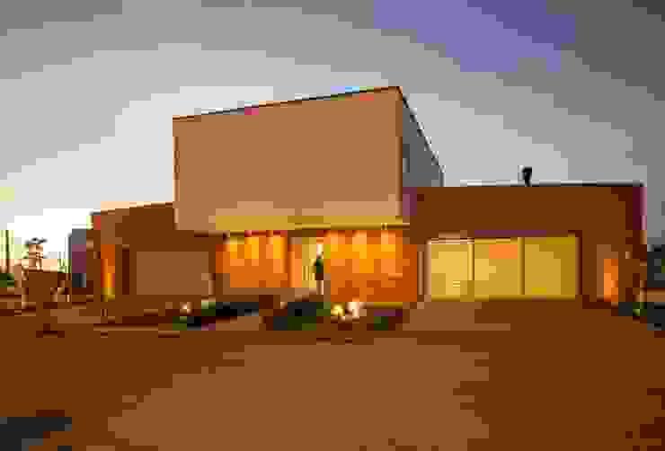Fachada Residência J15 Casas modernas por homify Moderno Tijolo
