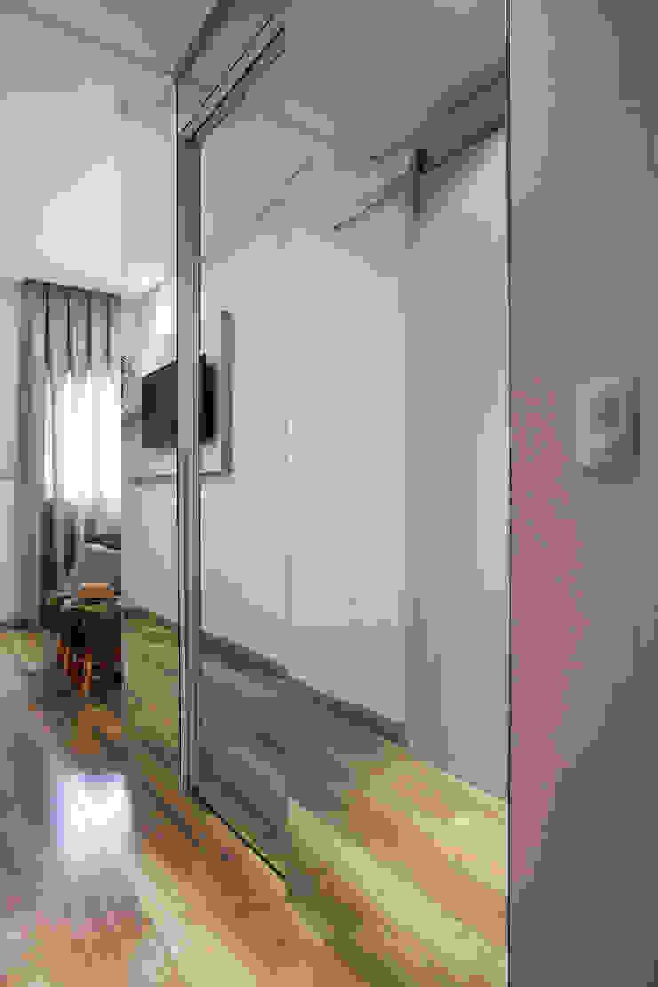 Modern Dressing Room by Amanda Pinheiro Design de interiores Modern