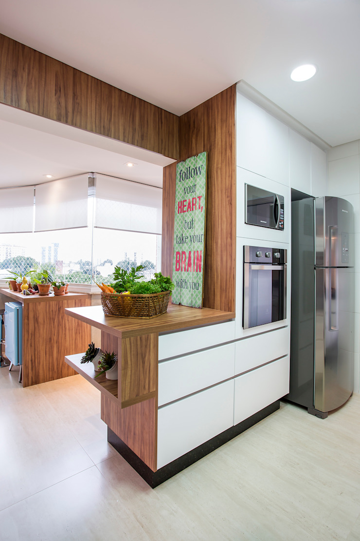 Modern Kitchen by Amanda Pinheiro Design de interiores Modern Wood Wood effect