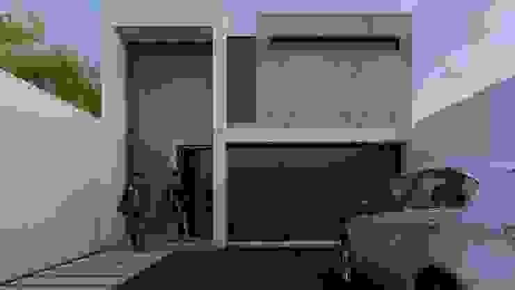 Fachada principal Puertas y ventanas minimalistas de Architektur Minimalista