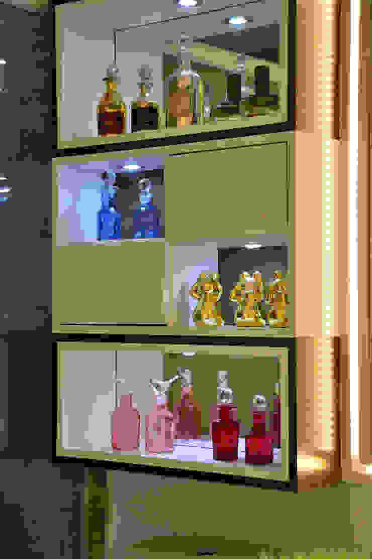 Graça Brenner Arquitetura e Interiores Salle de bainArmoires à pharmacie MDF Blanc