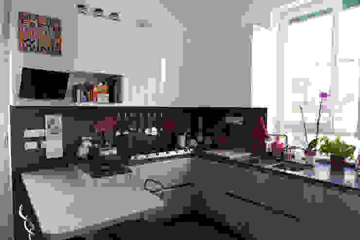 Casa PF Cucina moderna di Giulia Villani - Studio Guerra Moderno