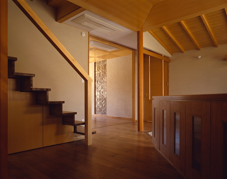 赤羽M邸-階段 オリジナルな 家 の アイプランニング オリジナル 木 木目調