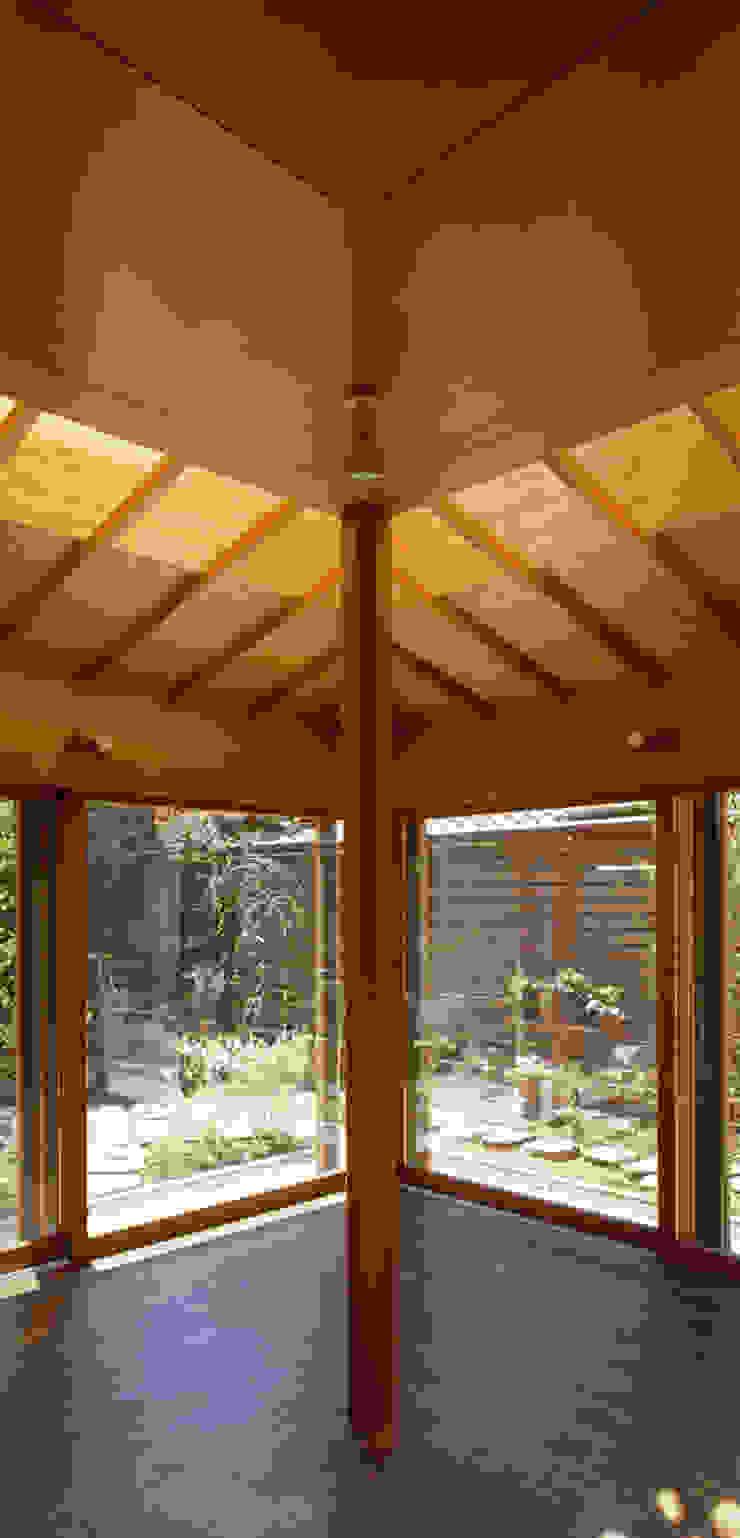 赤羽M邸-大窓+トップライト オリジナルな 家 の アイプランニング オリジナル 木 木目調